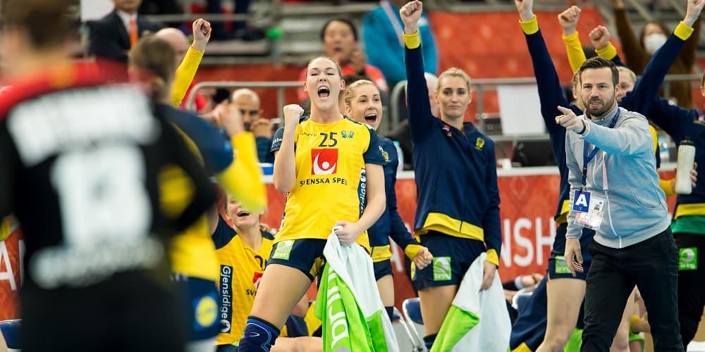 Svenska damerna firar mål